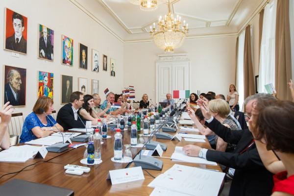 Ustanovni sestanek SMUL_glasovanje