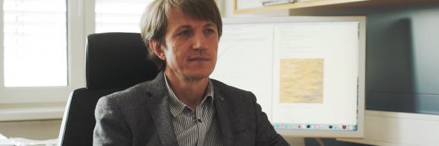 Prof. dr. Tomaž Prosen, FMF: Od kvantne fizike do pametnega telefona