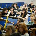 Neposredna izvedba študijskega procesa na fakultetah je temelj univerzitetnega izobraževanja
