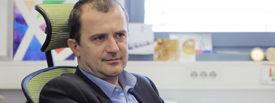Prof. dr. Robert Dominko, KI: Organski katodni materiali predstavljajo enega od možnih akumulatorskih sistemov prihodnosti