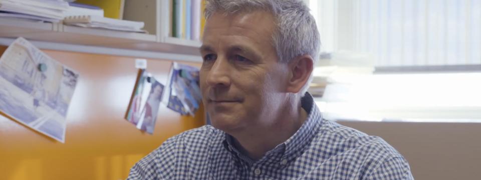 Prof. dr. Petar Pavešić, FMF UL: Orodje matematike so še vedno možgani