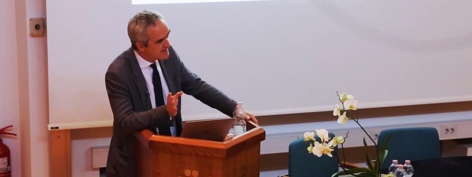 Prof. dr. Rosario Rizzuto:  Mitohondriji in signaliziranje preko kalcijevih ionov – vpliv na življenje in smrt celic