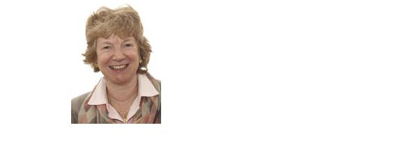 dr. Judith A. K. Howard: Z uklonskimi podatki do povezave med strukturo in lastnostmi